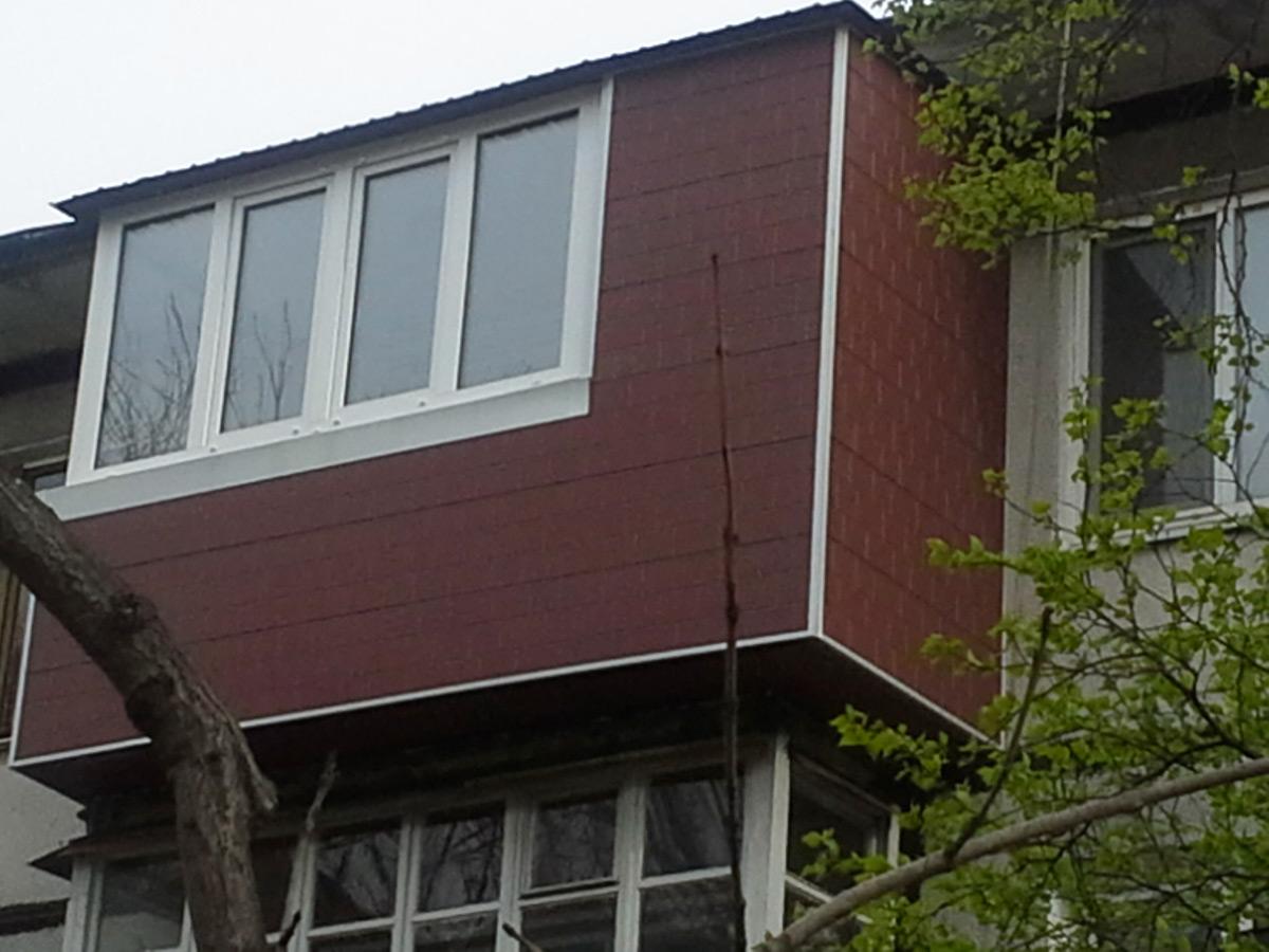 Чем обшить балкон снаружи, и какая облицовка